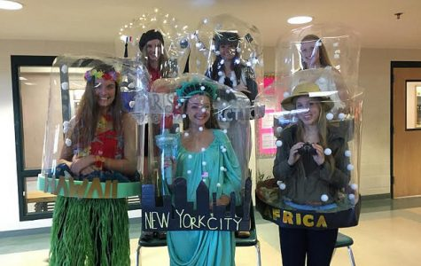 HHS Class of 2016 Gets Creative for Senior Halloween
