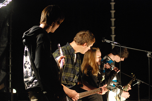 Photo by Ben Faucher. Courtesy of Shaina Belsky The final band at BeFrees Fall Jam, 21A, gives a rocking performance. From left, Max Joyce, Jack Walters, Haley Batchelder, and Patrick Dumas.