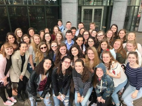 image: students abroad in Paris