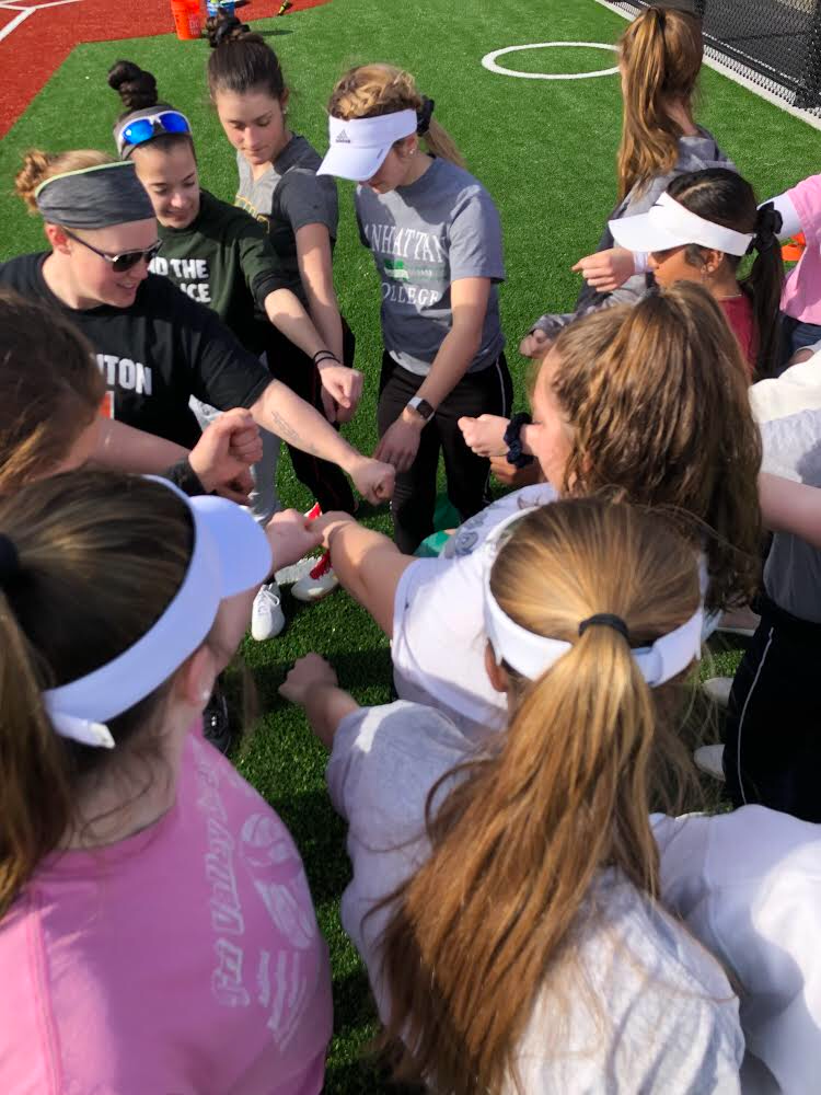 Softball 2019: Preview into New Leadership – HHS Press