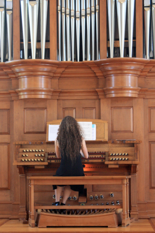 Touching God: Young Musician is Inspired by Her Faith – HHS